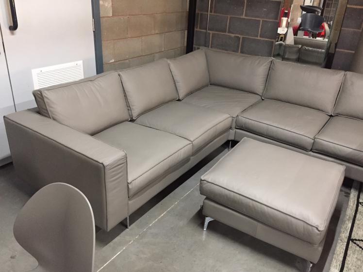 Ordinaire Calligaris   Leather Square Sofa Brand New 50% Off