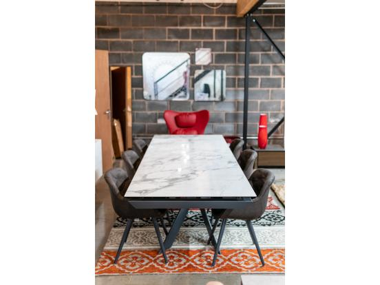 Calligaris - Eclisse Dining Table with 6 Igloo Soft Chairs Clearance